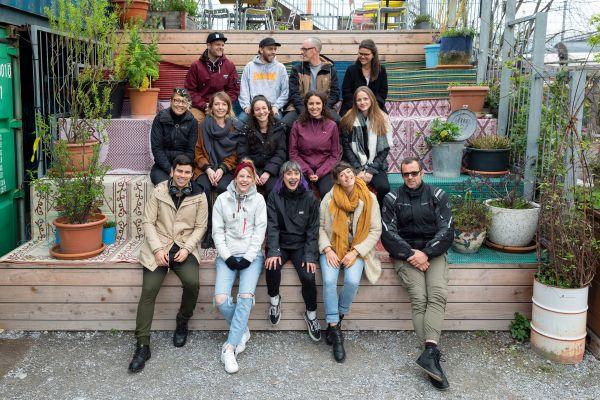 Teil vom Sommerteam 2019 - Frau Gerolds Garten | Sonnenterasse, Sommerrestaurant, Winterstube, Kunst und Stadtgarten | Geroldareal Zurich West | Frau Gerolds Garten